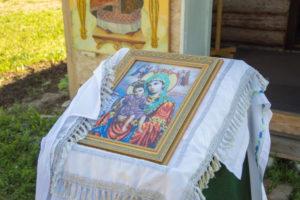 """Молебен с чтением акафиста иконе Божией матери, именуемой """"Достойно есть"""""""